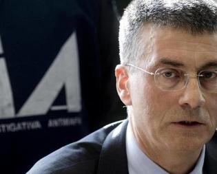 Il direttore della Dia Nunzio Antonio Ferla visita il Centro Operativo di Caltanissetta