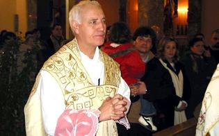 Condannato per pedofilia, sconta la pena e torna a dire messa nella Diocesi di Palermo