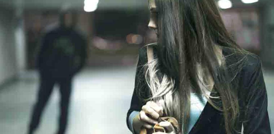 Perseguitava una donna con pedinamenti e proposte: 56enne di Riesi arrestato per stalking