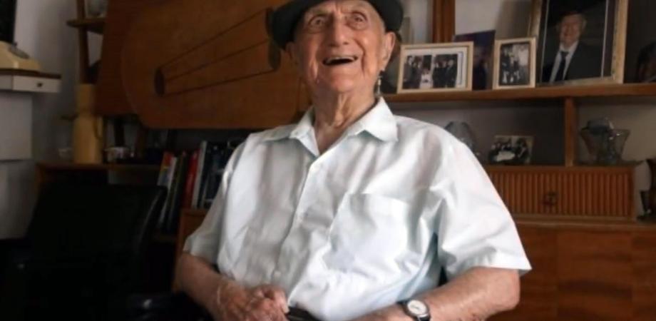 Morto a 113 anni l'uomo più vecchio del mondo: era sopravvissuto alla Shoah
