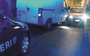 A Niscemi spari da un furgone contro i carabinieri in pieno centro abitato