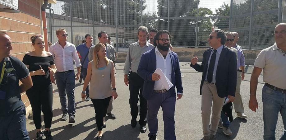 """Giorgia Meloni a Caltanissetta: """"L'Italia rischia di diventare il campo profughi d'Europa"""""""