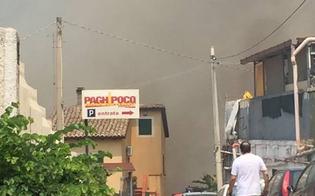 http://www.seguonews.it/incendio-in-via-pietro-leone-ore-drammatiche-per-gli-abitanti-forze-dellordine-evitano-la-tragedia