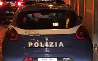 Caltanissetta, fuggono all'alt dei poliziotti: inseguimento per le vie del centro