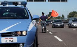 Vaga senza un braccio sulla Palermo-Messina, rintracciato pirata della strada: è un 20enne di Agira