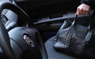 Caltanissetta, fingono incidente e le rubano la borsetta: anziana raggirata