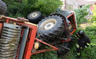Villalba, trattore si ribalta: agricoltore trasportato in elisoccorso al Sant'Elia