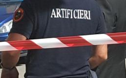 Allarme bomba a San Cataldo, borsa abbandonata davanti al carcere: intervengono gli artificieri