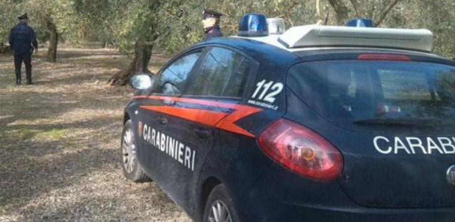 Giovane trovato privo di vita a Serradifalco con un taglio alla gola: sul posto i carabinieri