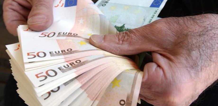 """Caltanissetta, per fare impresa in Italia bisogna versare ogni anno contributi per 3 mila euro. Il Condacons dice """"basta"""""""