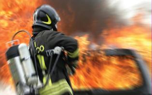 http://www.seguonews.it/gela-auto-in-fiamme-nella-notte-a-fuoco-la-bmw-di-un-trentenne