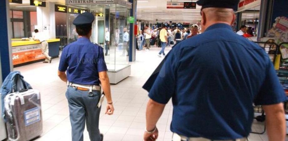 Shock ai controlli in aeroporto a Malpensa: 41enne cubana fermata con un cranio e ossa in valigia