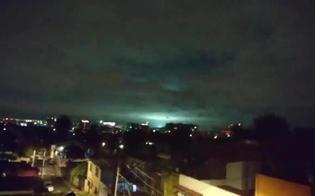 In Messico il cielo si illumina durante la scossa di terremoto in piena notte, ecco perché