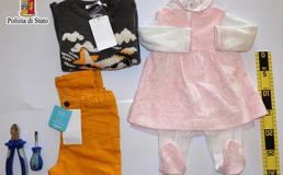 Caltanissetta, sorpresi a rubare abiti per bambini: madre e figlio arrestati dalla polizia