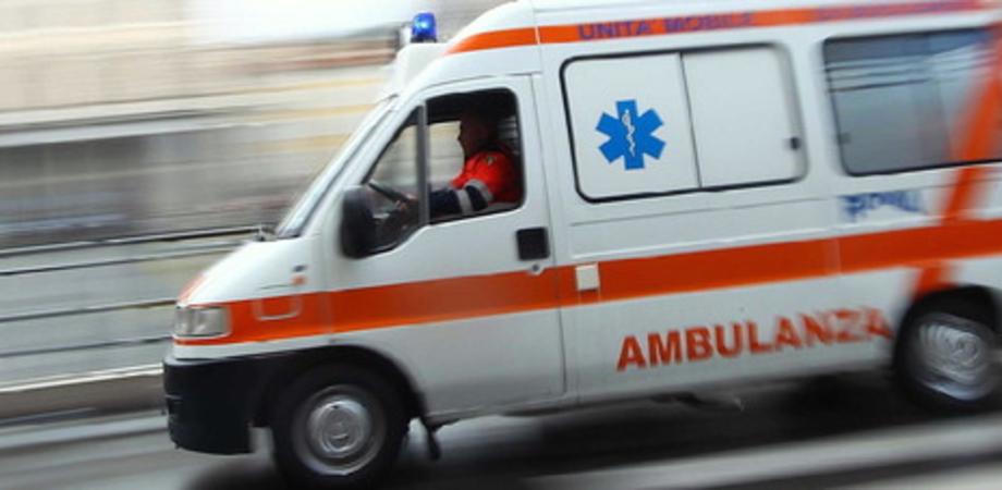 Caltanissetta, anziana investita in via Xiboli finisce in ospedale con un trauma cranico