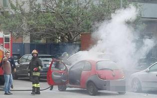 http://www.seguonews.it/caltanissetta-auto-in-fiamme-mentre-percorre-via-de-nicola-
