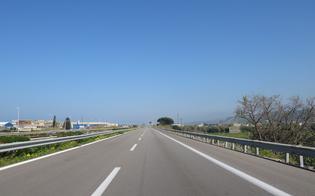 http://www.seguonews.it/catania-90enne-in-contromano-in-autostrada-5-i-feriti-lui-e-il-piu-grave