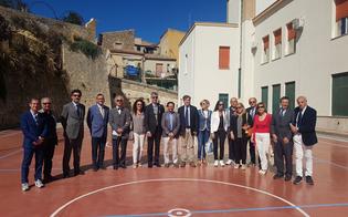https://www.seguonews.it/caltanissetta-alla-scuola-vittorio-veneto-si-fa-canestro-con-il-rotary
