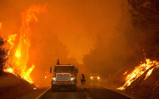 http://www.seguonews.it/drammatico-incendio-in-california-10-morti-oltre-20-mila-evacuati