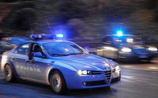 Caltanissetta, in auto senza patente non si ferma all'alt della polizia: inseguito e bloccato