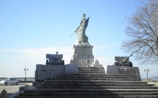 http://www.seguonews.it/giornata-dellunita-nazionale-e-delle-forze-armate-cerimonia-al-monumento-dei-caduti
