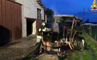 http://www.seguonews.it/caltanissetta-incendio-nella-notte-in-contrada-iuculia-a-fuoco-un-trattore