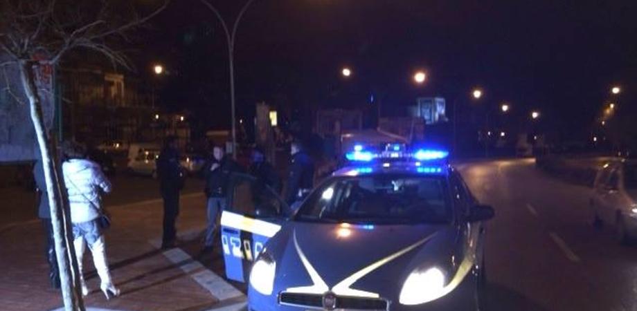 Caltanissetta, sorpreso dai poliziotti con una prostituta nigeriana: multa per un 40enne