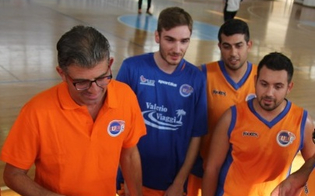 Basket maschile, il CusN Caltanissetta vince contro una buona Roncalli e vola in testa