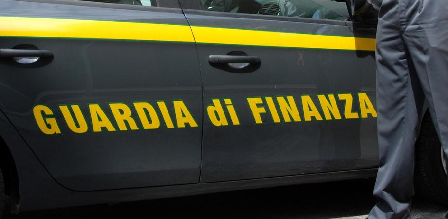 Strappa la scheda elettorale in mille pezzi: a Serradifalco interviene la Guardia di Finanza