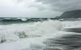 Maltempo in Sicilia, sospesi i collegamenti con le isole minori. Previsti venti di burrasca e forti mareggiate