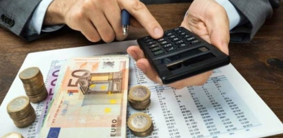 La burocrazia mette in ginocchio le imprese. In Italia 210 scadenze fiscali in un anno