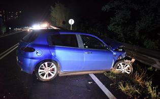 Caltanissetta, ubriaco al volante finisce fuori strada: 25enne denunciato