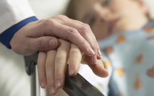 http://www.seguonews.it/bimbo-nisseno-affetto-da-tumore-salvadanai-anche-alla-strata-a-foglia-per-aiutare-la-famiglia