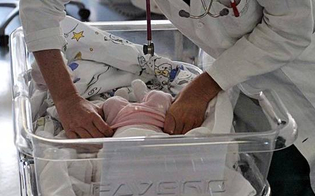 http://www.seguonews.it/napoli-bimba-down-abbandonata-in-ospedale-scatta-la-gara-di-solidarieta
