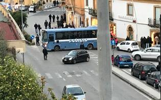 http://www.seguonews.it/caltanissetta-vertice-in-prefettura-in-occasione-delle-festivita-natalizie-disposto-il-potenziamento-delle-misure-di-sicurezza-