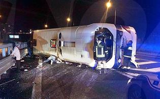Pullman diretto a Catania si ribalta in Calabria: 15 feriti