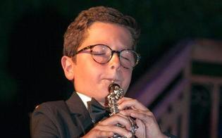 http://www.seguonews.it/sul-palco-del-liceo-mignosi-i-cantamuri-carlo-mistretta-e-il-coro-armonia
