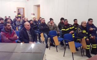 http://www.seguonews.it/incontro-a-niscemi-per-la-riapertura-del-distaccamento-dei-vigili-del-fuoco-volontari-in-citta