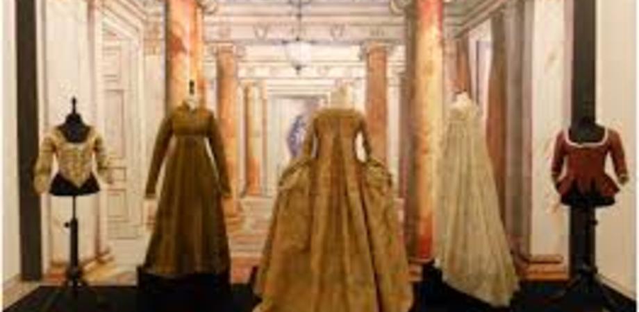 Abiti antichi, a Caltanissetta si inaugura una mostra di Raffaele Piraino