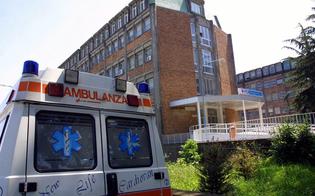 http://www.seguonews.it/napoli-gay-bullizzato-in-ospedale-preso-in-giro-dal-chirurgo