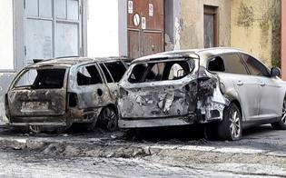 Due auto in fiamme a Riesi. L�Antiracket: scene che lasciano senza parole