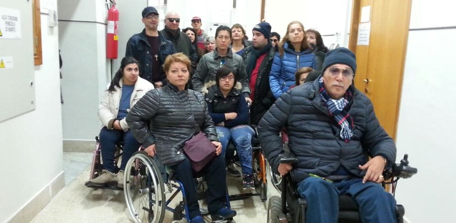 Trasporto pubblico e abbattimento delle barriere architettoniche, la consulta dei disabili gelesi incontra il sindaco