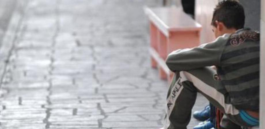 Vallelunga, non manda il figlio a scuola: mamma denunciata dai carabinieri