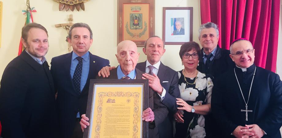 «Una vita al servizio di chi soffre»: l'Ordine dei Medici di Caltanissetta festeggia i 70 anni di iscrizione di Salvatore Ganga