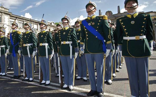 http://www.seguonews.it/esercito-e-guardia-di-finanza-pubblicati-quattro-concorsi