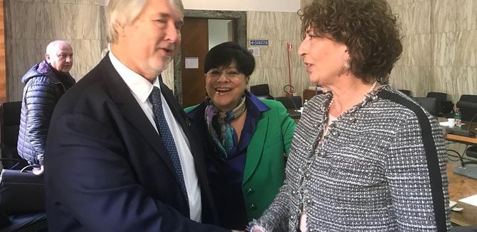 """L'assessore Ippolito al ministro Poletti: """"Comuni in difficoltà, più risorse al Fondo Nazionale per le Politiche Sociali"""""""