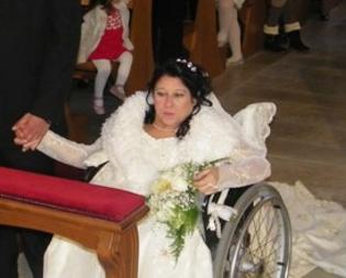 Rosa se n'è andata, la sposa di Gela in carrozzina che cinque anni fa coronò il suo grande sogno