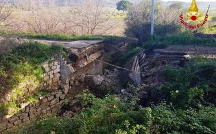 http://www.seguonews.it/ennesimo-crollo-lungo-le-strade-della-sicilia-leandro-janni-cresce-la-percezione-del-pericolo