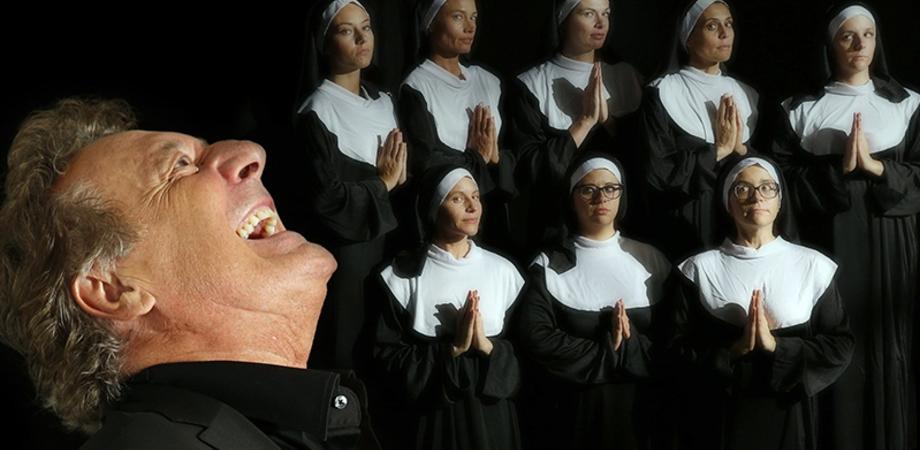 Libera Nos Domine, al teatro Margherita la rivoluzione in musica e parole di Enzo Iacchetti