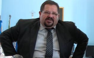 Prima il malore in aula poi la decisione: il sindaco di Gela Messinese si dimette